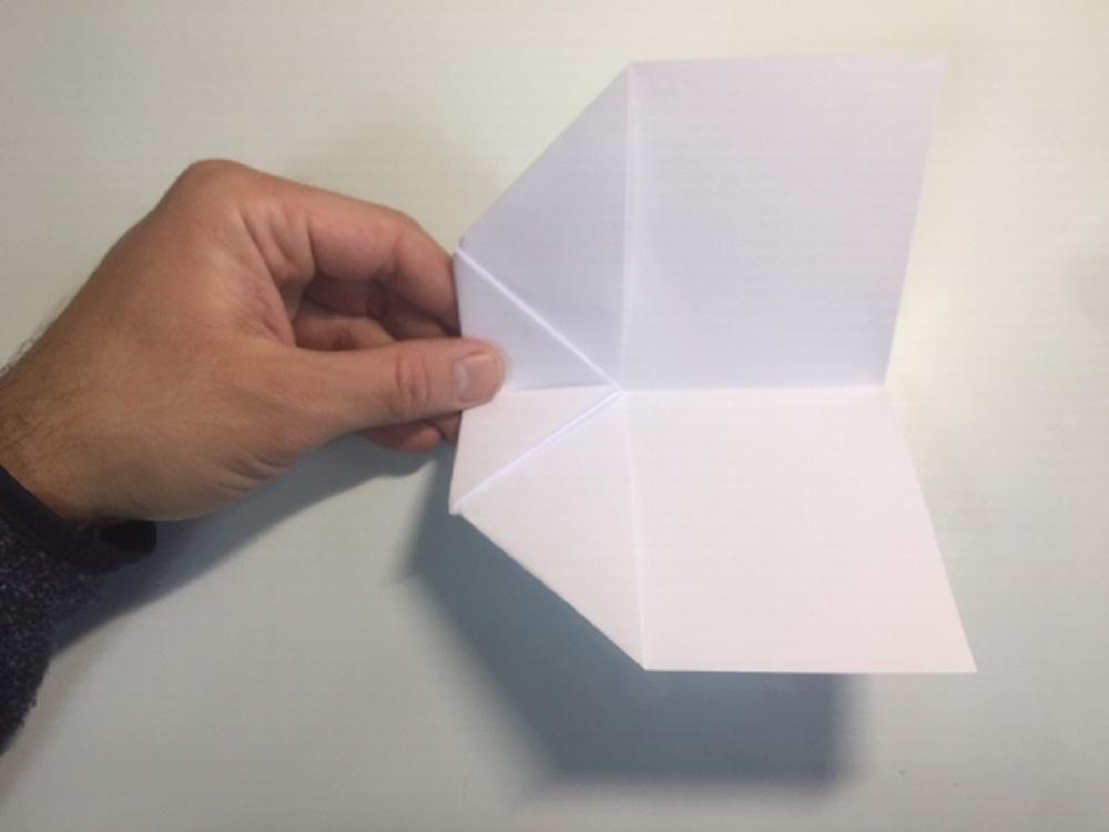 Diseñar un avión de papel paso a paso