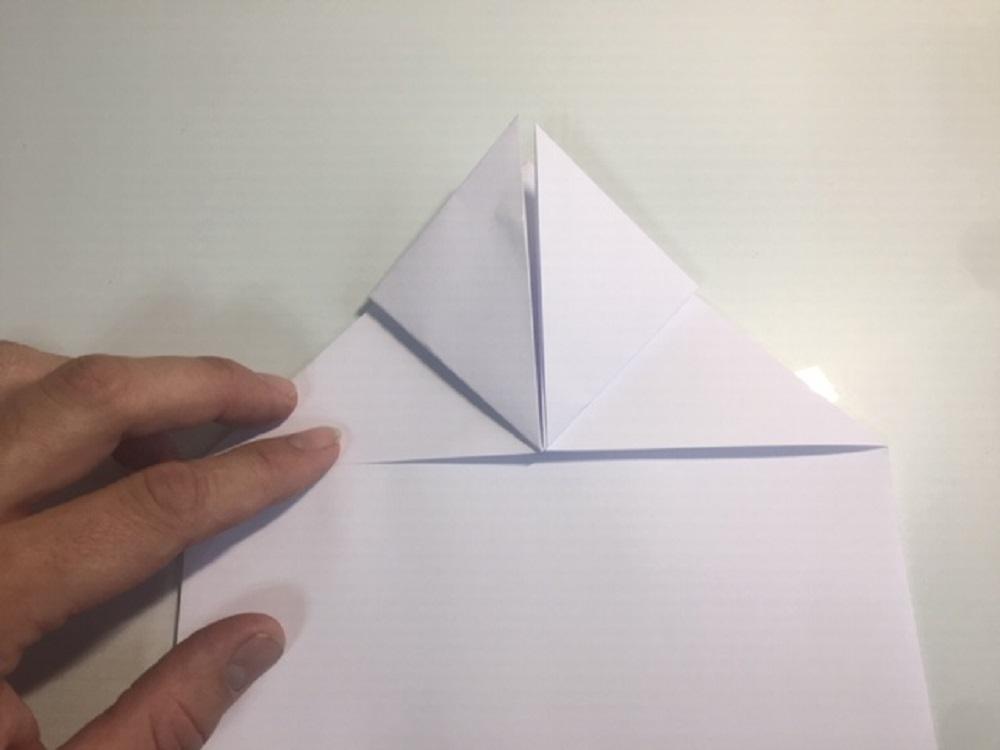 como hacer una avion de papel facil y que vuele mucho